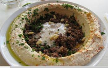 חומוס עם בשר במסעדת אבו יוסף